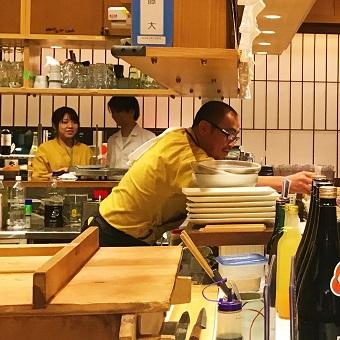 ≪日払いOK≫学生フリーター主婦活躍中!九州の魅力伝えよう♪店長も目指せるお店☆