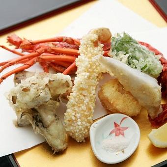 【池袋駅直結】京懐石のお店で着物を着て日本のおもてなしと着付けが学べる