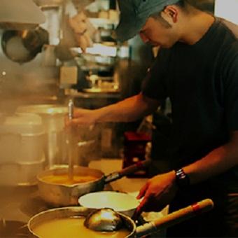 最高の調理環境で学べる世界で大人気のらーめん![週1・3h~で融通バッチリ☆]