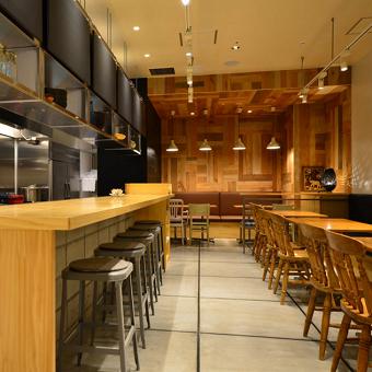 唐揚げを全世界に!店作りとタイ料理が学べる京橋の人気店で店長候補!唐揚げと売上管理!