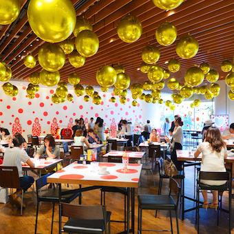 いろんなイベントが楽しめる♪多目的スペース併設のカフェでホールバイト♪