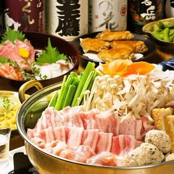 お客様のご予約によって、宴会の準備作業もあります。