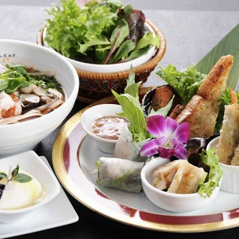 スタイリッシュなアジアン料理店で目指す一流シェフ☆新しいアジアン料理に出会えます♪