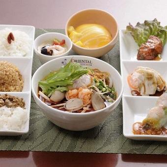 新宿ルミネエストの魅力的なアジアン料理店☆まかない付♪[履歴書不要]