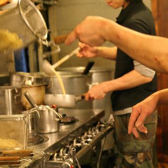 金髪OK!アメリカンな店内で鶏100%絶品つけ麺と暖かい接客でお客様をおもてなし★平日のみOK!