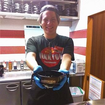 新宿のお好み焼き屋さんでキッチンスタッフ!