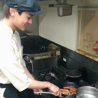 未経験・フリーター・Wワークも大歓迎!ソーセージの製造設備があるドイツ料理店!一から食べて学ぶ