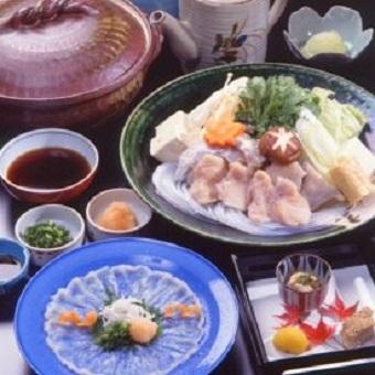 フリーター歓迎!300年伝わる和食、懐石の繊細な職人技を!各店舗を経験した料理長から仕事を学べます。
