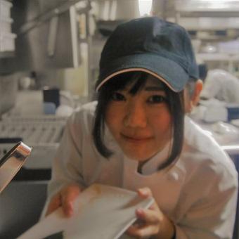 和牛塩焼肉ブラックホール セントラルロード店のキッチンアルバイト♪