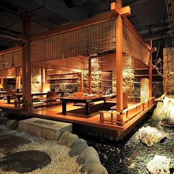 京都の川床席をイメージ。限定4席でお客様にも人気です。