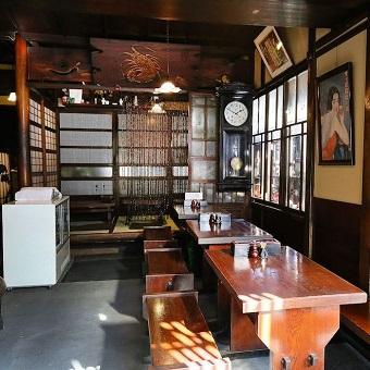 【近隣にお住まいの主婦大歓迎!】創業128年の超有名店。登録有形文化財に認定された天ぷらやさん♪