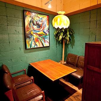 ハンバーグレストラン、ワインバル、昼夜で変わるお店の雰囲気!主婦大歓迎!【平日ランチ勤務OK】
