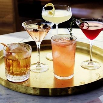 ドリンカーのお仕事が好きな方はぜひ♪お酒の種類を覚えることも出来ますよ!