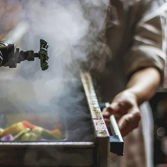 東北の新鮮野菜や魚介を中心とした「蒸気料理」を学ぼう!銀座コリドー街のフレンチバル♪