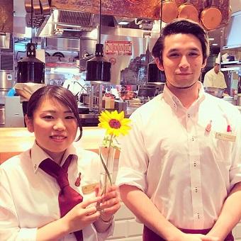 【外国人スタッフとはたらく】『幻のオムレツ』がタダ飯!!フランス本店の超有名レストラン♪
