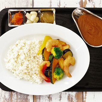★積極採用中★青山の大人気カフェで、おうちご飯を作れちゃう!とっておきの経験ができるおしゃれバイト♪