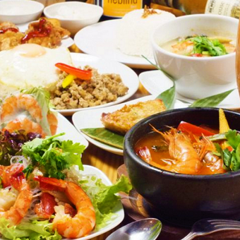 夜はエスニック料理☆昼は金賞受賞のからあげ★一店で二つの専門料理を学べるキッチン♪