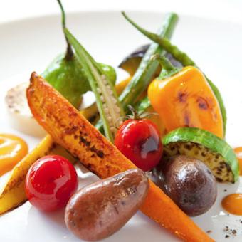 野菜も無農薬・減農薬のオーガニック。鎌倉や京都などから仕入れます。