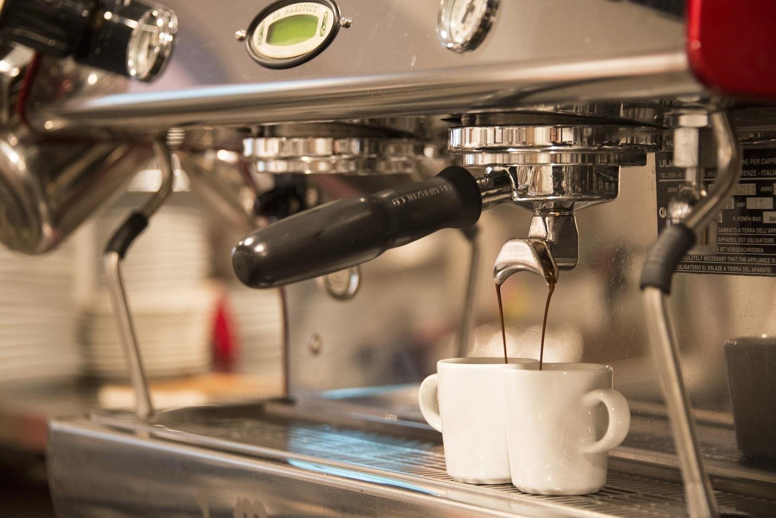 ユニクロ本社内カフェでスタッフ大募集!働きやすい時間帯でコーヒーや軽食をご提供しませんか♪