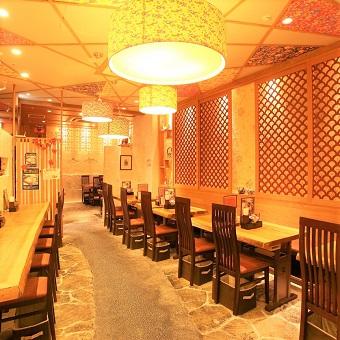 沖縄の古民家風店内♪三味線のBGMが良い雰囲気を演出しています☆