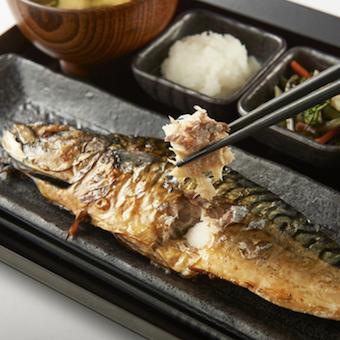 魚や魚の焼き方を学べる定食屋のキッチンスタッフ☆早朝でも深夜でも好きな時間に働けます!