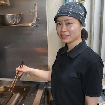 時給1200円♪ランチタイムに働ける主婦・主夫さん歓迎!2種の蕎麦や一品料理を学べるキッチン☆