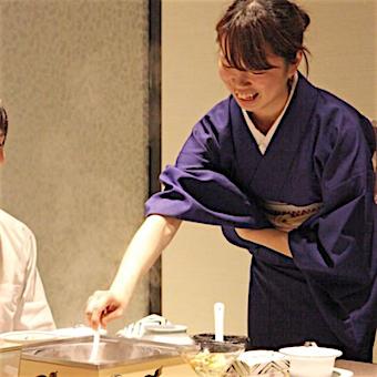 時給1200円◎深夜勤務なし★かしこまり過ぎない日本料理店で着物を着て接客☆着付けや所作も学べます♪