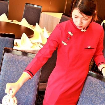 チャイナ服で接客☆働く環境が良くスタッフの定着率も高い♪グルメサイトで高評価の本格広東料理店☆