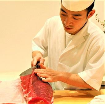 時給1100円♪銀座の高級寿司の洗い場で働く!気さくで楽しい店主と常連さんも多いお店☆