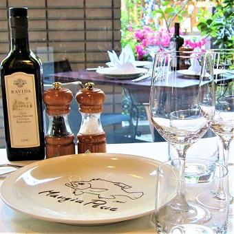 ワイン+ブライダルに関する知識も。20年続く魚介イタリアンで素敵な社会経験♪業務拡大につき急募!