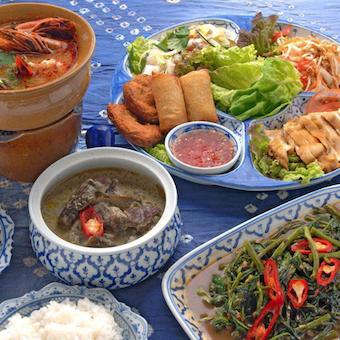 本場タイ人からタイ料理を学べるキッチン♪頑張ればタイ語も習得できる☆