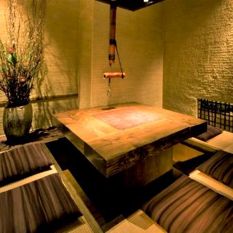 落ち着いた雰囲気の個室は全てにテーマや名前がついています