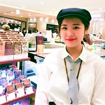 【大学3&4年生大歓迎】白金の高級フレンチが手がける上質なスイーツの販売♪渋谷ヒカリエで通勤便利◎