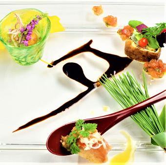 「鉄板焼」「Neo French」「Japonism」という 3ジャンルの料理をご提供しています♪