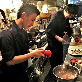◆こだわりの内装◆隅田川近くのスパニッシュイタリアン♪カウンターキッチンでカッコよくお仕事?