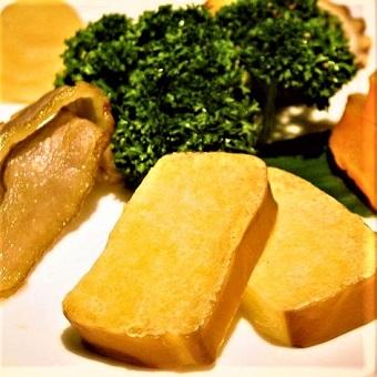 【時給1200円】燻製調味料を使った料理を提供♪オシャレなレストランバーでキッチンスタッフ☆
