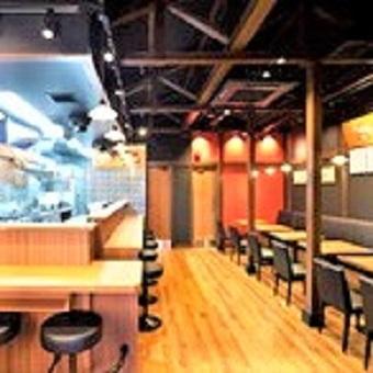 ◆土日のみもOK◆メディアでも話題のご当地グルメ【金沢カレー】の人気店でホールのお仕事♪