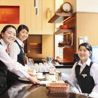 ◆更衣室・ロッカー完備◆ホテル内のレストランで上質なおもてなし♪高待遇*未経験OK!