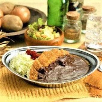 ◆カレー好き大歓迎◆メディアでも話題のご当地グルメ【金沢カレー】の人気店でキッチンのお仕事!