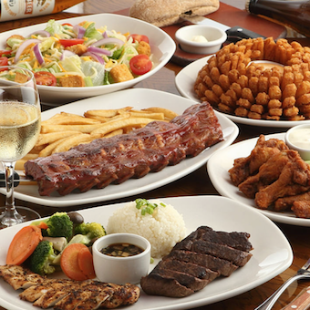 ステーキや豪快なアメリカ料理を提供します♪社割でステーキも食べられます!