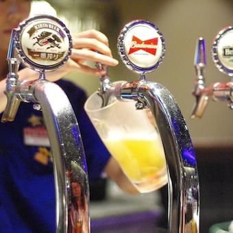 毎月ステーキやビールの販売数を競う全店参加コンテストあり!優勝すると賞金が出ることも!