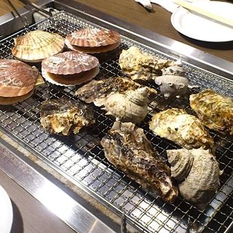 【駅チカ】高円寺駅1分の牡蠣を始めとした海鮮BBQ♪活気あふれる店内で働こう!