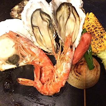 【駅チカ】高円寺駅1分★あなたも牡蠣開け職人に?牡蠣を始めとした海鮮BBQのお店でキッチンスタッフ?