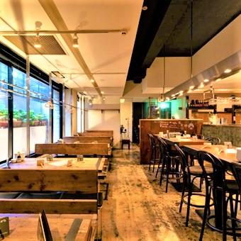 ≪髪色自由≫カフェって付くけど居酒屋です‼誰もが楽しめる活気溢れるお店で接客しましょう♪