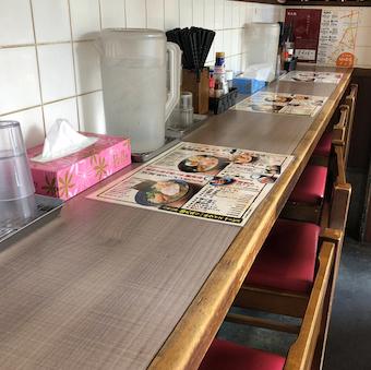 ☆お昼のみ☆流行りの鶏の削り節を使った人気ラーメン店で接客のお仕事♪