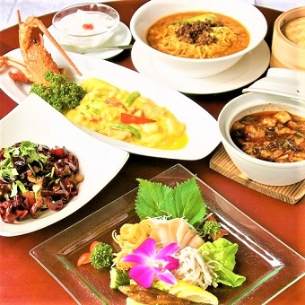 日本の味の良さと、四川料理を絶妙にアレンジした料理を提供します。
