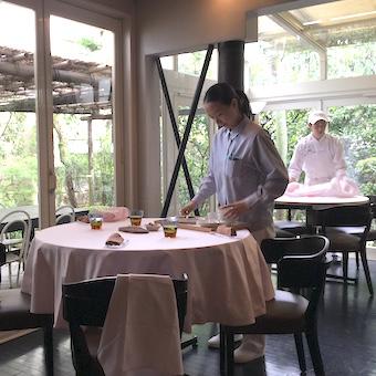 【タダ飯クーポンあり】ドイツ大使の邸宅をいかした一軒家フレンチレストランで接客♪