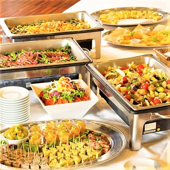 銀皿で提供する大盛り料理を学ぼう?貸切イベント利用多数♪居心地の良いカフェダイニング!髪色自由☆