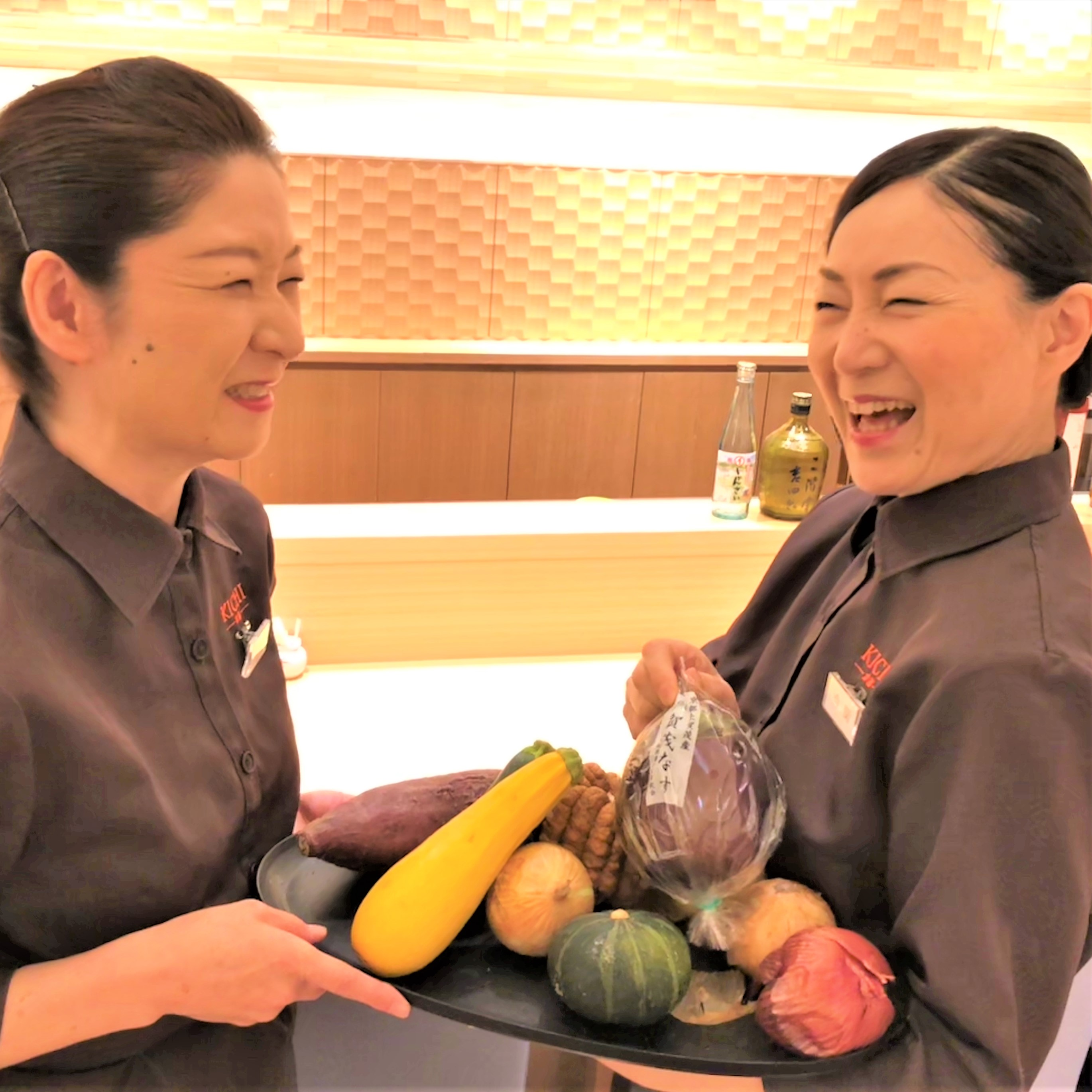 常に笑顔溢れる職場。空いた時間を活用したい主婦の方もぜひご応募ください。