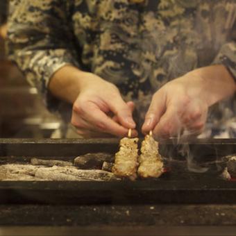 ☆★社員募集☆★ミシュラン掲載の人気店で焼き鳥を極めるキッチンのお仕事♪独立希望者歓迎!